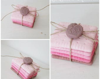 Small Shabby Chic plaster chocolate Strawberry