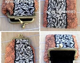 "Felted Pocket ""art deco"" - printed silk felted Merino, bronze clasp - OOAK"