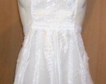 "APRON WHITE WITH LACE MAID""GIRL - SIZE 10 YEARS."