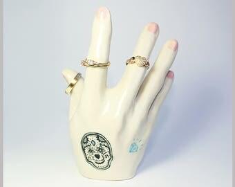 Handmade by Hesukinae Studio, Ceramic Sculpture, Ceramic Ring Holder, Sculpture