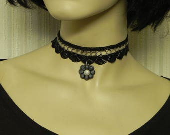 "Hand made ""choker"", very trendy, composed of lace Ribbon, black and silver necklace, flower polymer clay beads"