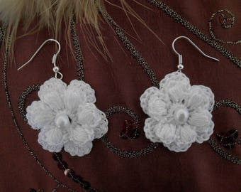 White Flower Earrings made with cotton crochet with beads.