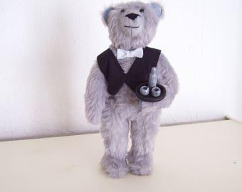 the bear bartender