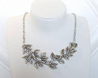 Chain Olive Leaf