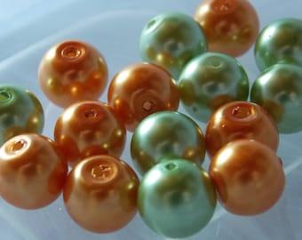 Lot 15 glass beads Pearl light green Renaissance / orange 10mm