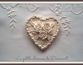 Decorative plaster heart 3 roses