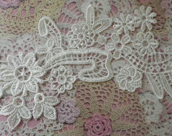Lace applique flowers white off cotton for customization 24 cm wide