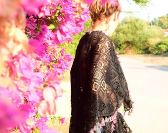 Beautiful Black Ethnic Lace Cape Caftan with Fuchsia touches – Mini Length – One size