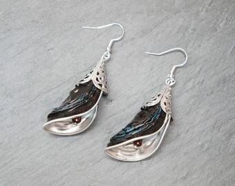 Coffee capsule - chocolate and blue petals earrings