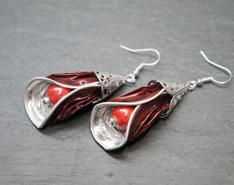 Coffee capsule - red/burgundy petals earrings