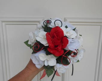 Maid of honor - black and white and Red bouquet