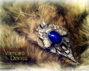 """Jewelry: Pendant with chain-inspired """"The vampire Diaries"""" - cosplay - polymer clay"""
