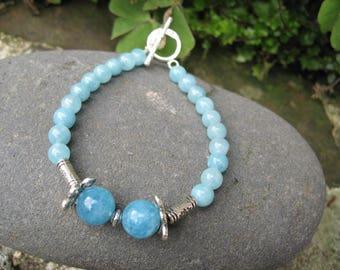 Bracelet with blue aquamarine beads