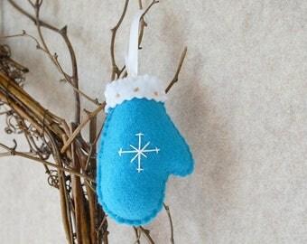 Christmas Mitten Felt Ornament - Turquoise, White, Gold Felt Mitten, Christmas Tree Decoration, Holiday Decoration