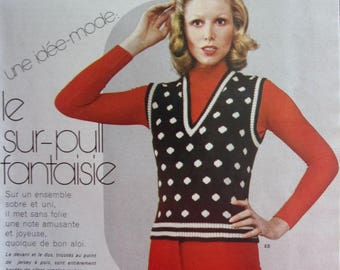 KNITTING CROCHET booklet vintage FASHIONS and work - SEPT.72 - 15 patterns women and children