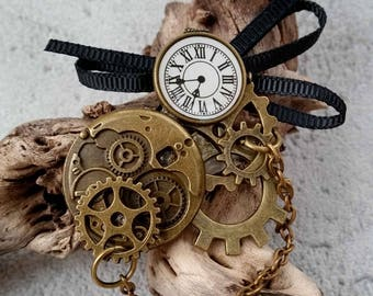 Steampunk inspired brooch