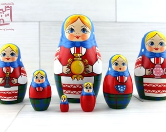 Russian Hospitality and Tea Drinking Matryoshka set of 7 pcs Stacking Wooden Russian Nesting Dolls