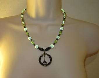 Green leather circle metal pendant necklace