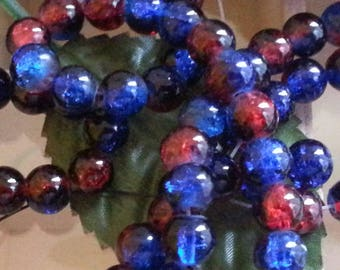 100 beads cracked glass strands, round, dyed, deepskyblue / red, 8 mm in diameter, hole: 1 mm.