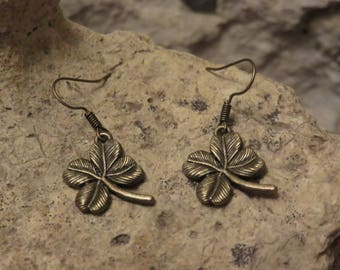 Earrings antique bronze clover