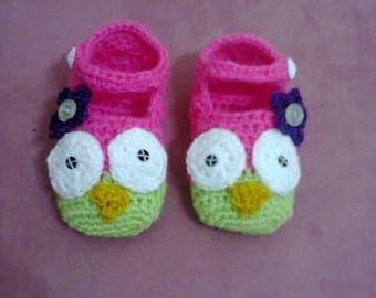 handmade crochet OWL baby shoe