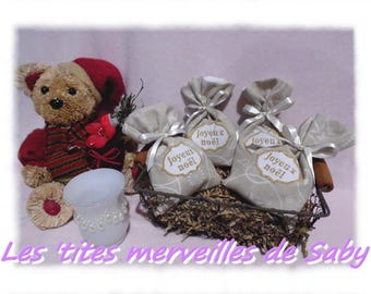 "sachets bags for chocolate embroidered ""Merry Christmas"""