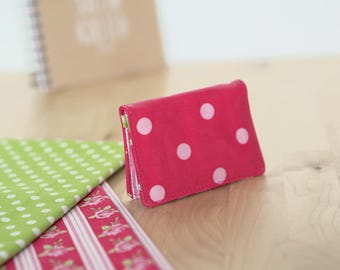Fuchsia card holder with pink polka dots