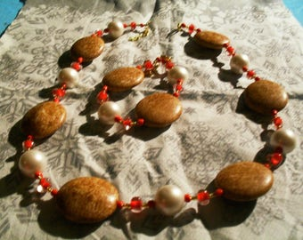 set (necklace and bracelet) summer, large, colorful (red, white and wood)