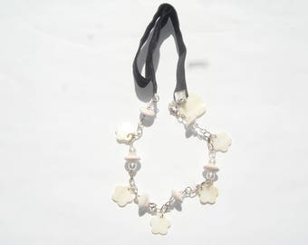 Necklace White Pearl shell beads