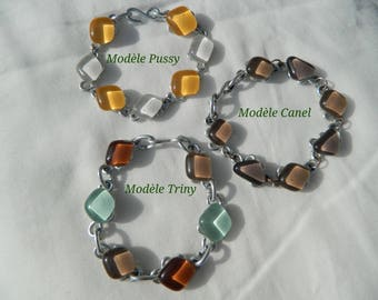 Bracelet made of glass and aluminum. Completely hand made, pattern choice