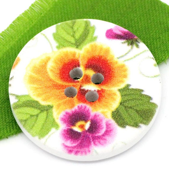 BBR30212 - 2 BUTTONS ROUND 30 MM WOODEN PATTERN WITH COLORS