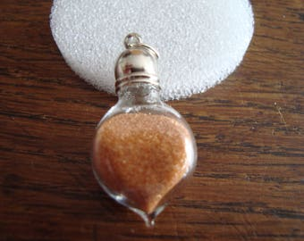 """""""Désert"""" pendant: tiny vial of authentic sand from the Libyan desert"""