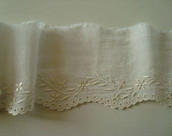 Ribbon embroidery ivory lace flowers pearls width 7 cm - 0.85 + 0.90 m m