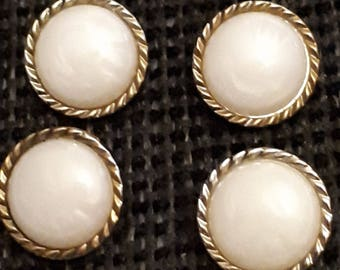 set of 4 buttons has tail vintage white and gold 17 mm
