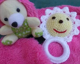 Rattle crochet Miss Daisy