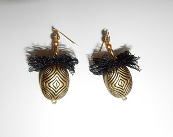Accordion tulle and Pearl Earrings