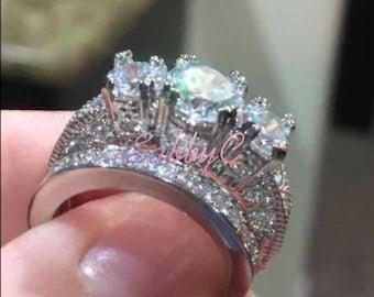 New 18 k white gold wedding ring set