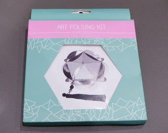 Kit origami home decor to make and hang black and silver