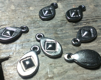 Set of 20 charms/drops charms ethnic / gunmetal / 13 x 7 x 2 mm