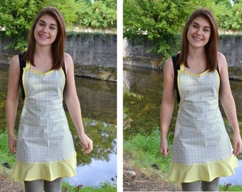 Retro apron for adult blue and yellow