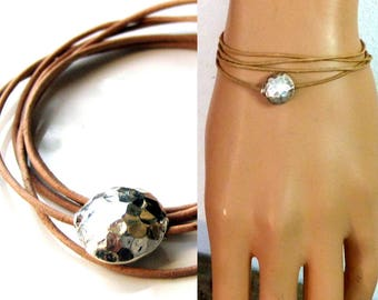 Bracelet silver hammered bead and leather N2391