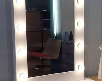 Large mirror lodge makeup bright light lighting