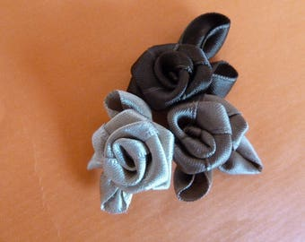 Brooch with fabric roses