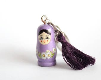 Keychain grigri MATRYOSHKA mauve and purple Pompom