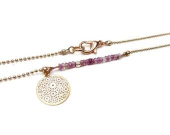 Choker single row of tourmaline minimalist rose on rose gold chain