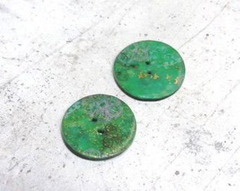 Set of 2 buttons green unique by Little Valentine