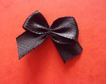 Set of 5 black bows on satin - 25 x 20mm effect