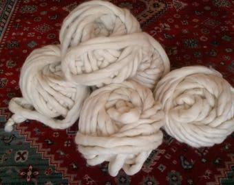 Lot 6 pelotes xxl laine mèche mérinos xxl super bulky naturelle écru. 3k. Pelotes de 500 g.