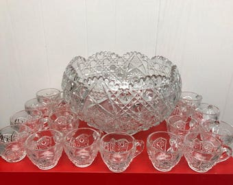 1 Vintage glass punch bowl 18 matching cups daisy button pattern