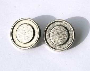 2 vintage antique silver etched 24 mm diameter buttons